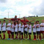 I ragazzi si allenano nelle migliori scuole calcio estive Milan