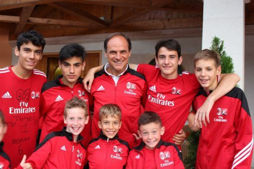 Walter De Vecchi and boys in AC Milan Junior Camp
