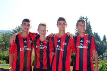 Foto ragazzi AC Milan Junior Camp